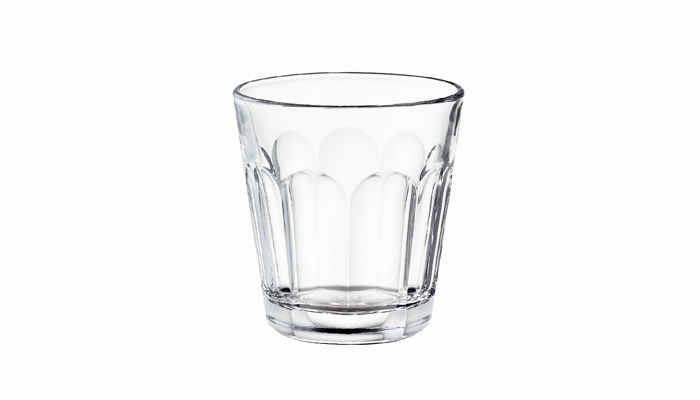 スタンダードなデザインで、根強い人気をもつcommon(コモン)のタンブラーグラスです。 200ml入る大きさなので、日常使いにはぴったりですね。