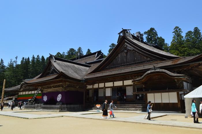 高野山真言宗の総本山「金剛峯寺」。開創1200年にあたる平成27年には、御本尊が16年ぶりに公開されました。