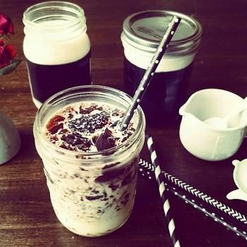 おやつ代わりにもなる、コーヒーゼリーで作るドリンクです。自分好みの食感を見つけてみてもいいですね。