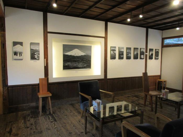 ギャラリーでは季節毎にイベントが開催されています。ひとり、静かに作品を眺めたり。