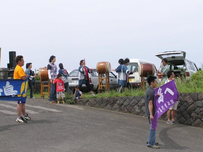 還住太鼓と八丈太鼓のコラボも見られたり、お相撲の大会があったりと大変にぎやかな一日だそうです。