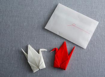 紅白セットになったものも。お祝いのプレゼントや、内祝いなどにも使えそうですね。