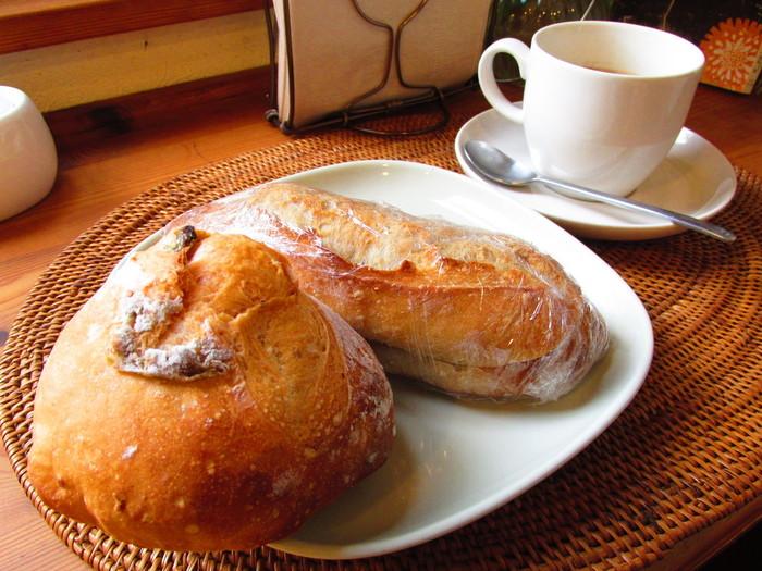 どのパンを選ぼうとも、シンプルな中にも確かな美味しさがあるダヴィッドのパン。素材選びから慎重に吟味したオーナー夫妻の心意気が伝わってくるパンの数々。