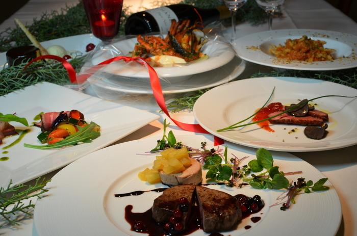 J'adore Chayamachiでは、ディナーを楽しむこともできます。本場イタリアで修業を積んだシェフが提供する本格的なイタリア料理の味を堪能してみませんか。