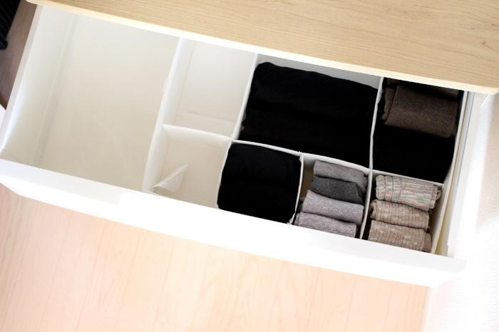 クローゼットの引き出しにジャストフィット!仕切りがあることで取り出しやすく&しまいやすくなったそうです。衣類整理の仕切りボックスが一つあると、引き出しのスペースも有効活用できますね♪