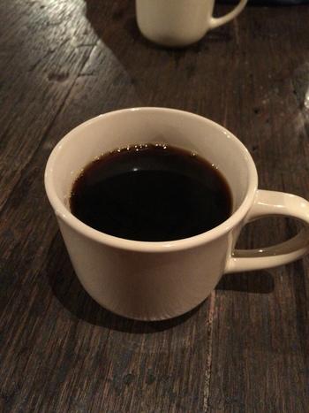 ハンドドリップコーヒーは400円。けっこう手頃な値段で楽しめるのが嬉しいですね。