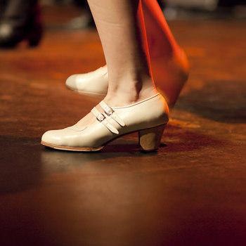 リアルレザーの靴のお手入れにも、ハンドクリームが使えます。香りが気に入らない・刺激が強かったなどの理由で使用中止したハンドクリームの使い道としてもピッタリです。