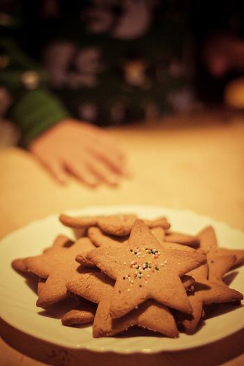 かわいいクッキー型が欲しくなるこのシーズン。今年はクリスマス気分をもっと高めてくれる「型抜きクッキー」を作って、家族やお友達とクリスマスを楽しんでみませんか!