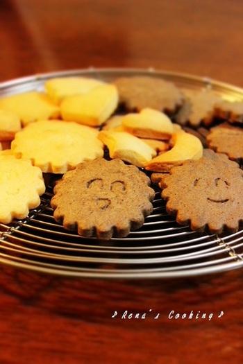 さくさく&ほろっとした食感がお子さんにも食べやすい簡単型抜きクッキー♪ まずはプレーンとココア、2つの味からチャレンジしてみましょう!