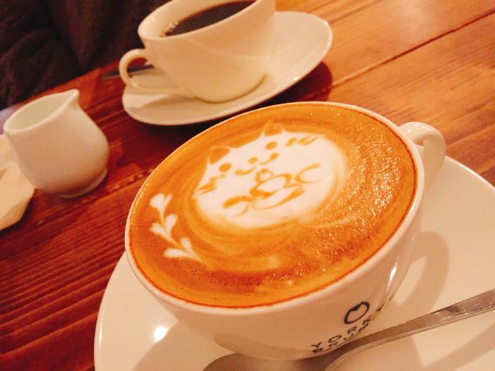 ゆったり上質な気分に浸れるヨーキーズブランチ。 ひとりでカフェラテやコーヒーを飲みながらゆったり過ごすのもいいかもしれません。