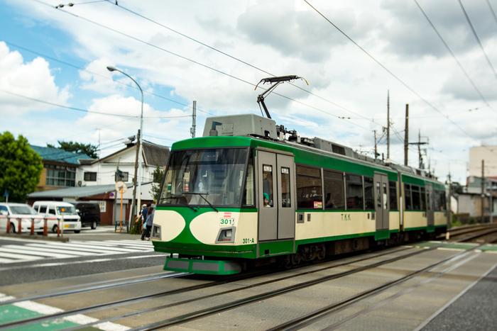東急世田谷線は、東京都世田谷区の三軒茶屋駅から下高井戸駅までを結ぶ東京急行電鉄です。