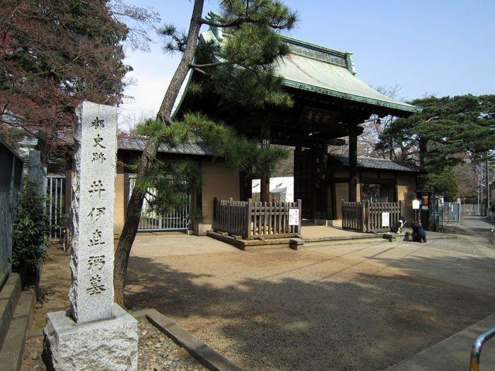 あの有名な桜田門外の変にて暗殺されてしまった幕末の譜代大名である井伊直弼のお墓がある「豪徳寺」。