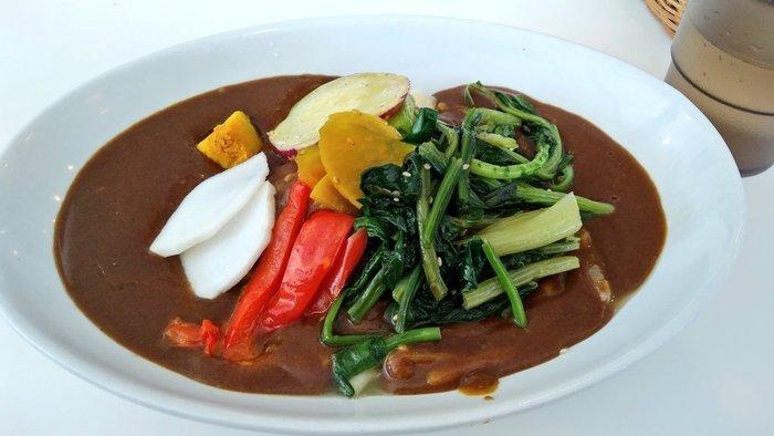 大人気の京野菜カレー。たっぷりの野菜がのっています。季節によって野菜の種類が変わるので、来るたびに違った味を楽しめます。