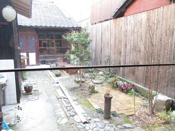 お庭もあって、店内からも眺めることができます。