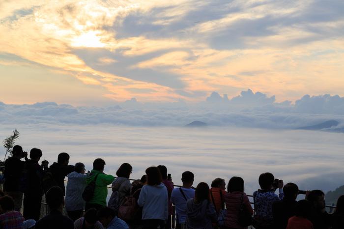 """""""天国に一番近いカフェ""""「雲海テラス」に行ってみたい!夏の北海道・トマム旅行の楽しみ方"""