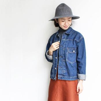 ファッションコーディネートのアクセントになってくれる帽子。