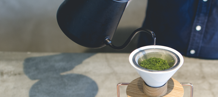 「東京茶寮」では、茶葉それぞれに適した湯温と蒸らし時間の調整により、その茶葉の特徴を最大限に生かした味わい深いお茶に仕上げています。