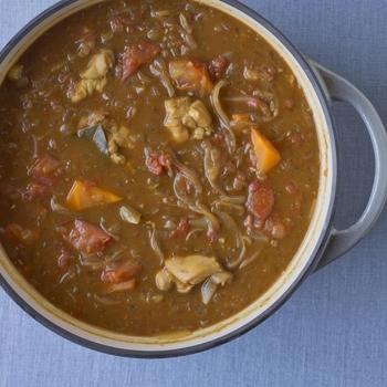 無水調理の定番と言えばカレー。お野菜の甘みがギュッと詰まったカレーは普通のお鍋では作れない美味しさ。