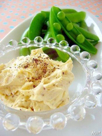 スナップえんどうによくあう味です。 白みそとチーズの相性は抜群で、濃厚さが美味しいですね。