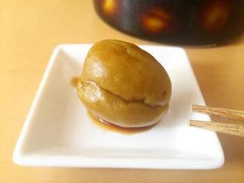 梅醤油に使った梅はそのまま食べても美味しく頂けます。醤油は刺身醤油としてもオススメです。