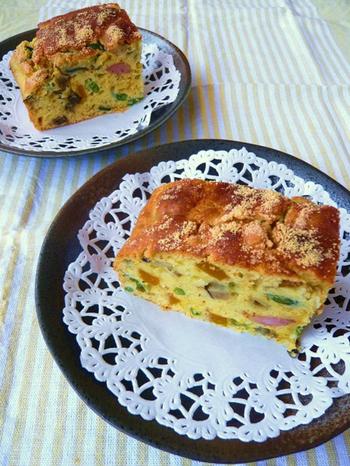 ほんのり甘い味の付いているホットケーキミックスですが、塩コショウを混ぜたり、ベーコンやチーズなどを入れると、甘さが抑えられるようです。
