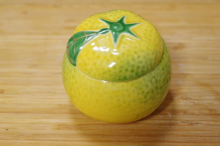 「八百三」では、『柚子味噌』以外にも、赤だし味噌や白味噌も販売。京都高島屋でも購入可能ですが、柚子形の陶器入りは、本店のみ販売しています。