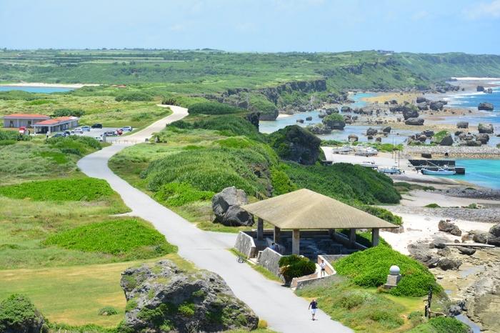 見てください!この絶景.....。言葉になりませんね。 歩いたかいがありました。島の形が見えるのは沖縄ならではですよね♪