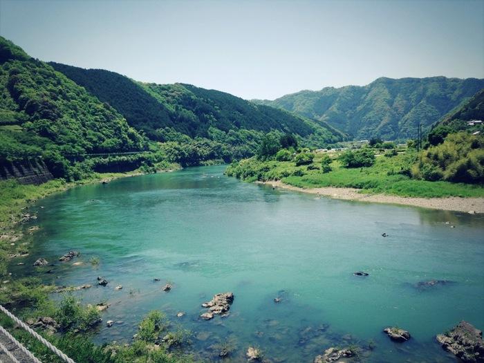 四国一の川が、「四万十川」。 全長196キロメートルの大河は、さまざまな絶景が望めます。