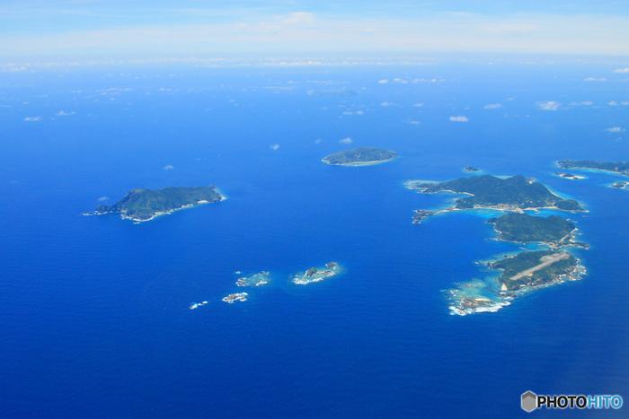 吸い込まれるような透明感のあるブルーが美しい慶良間諸島。