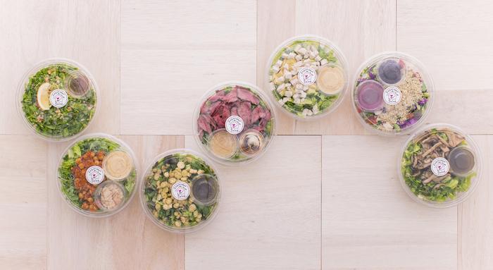 目的にそれぞれ合わせた食材をチョイスした7種類の処方箋サラダが揃っています。