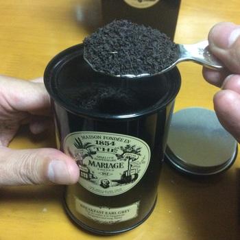 アッサム種やアールグレイは広く使われており、逆にダージリンはミルクティーには不向きだといわれています。お店によっては、ロイヤルミルクティー専用茶葉もあるので、利用するもの良いですね。