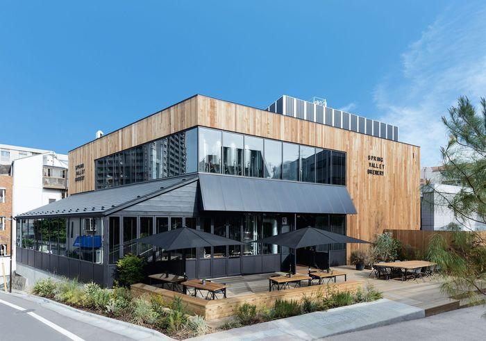 長細い敷地の代官山駅に近い1号棟は、キリンビールの新業態「SPRING VALLEY BREWERY(スプリングバレーブルワリー)」