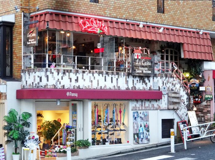 創業が1976年、入れ替わりの激しい代官山のレストランの中では古くからある老舗のお店です。
