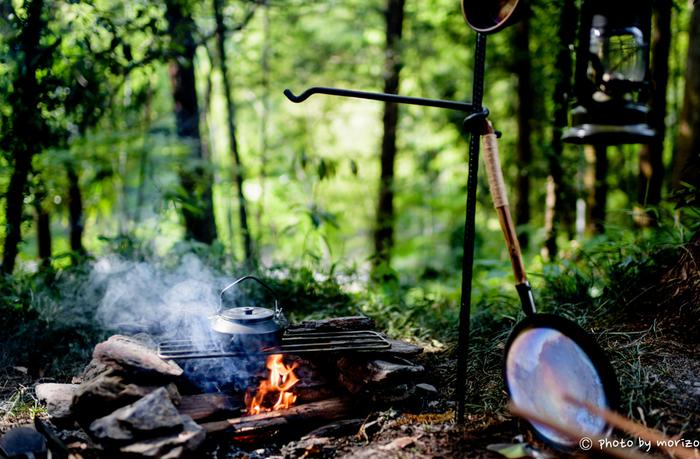 キャンプの楽しみと言ったら、何と言っても自然を思いきり満喫できること。 ストレスフルな毎日を過ごす現代人にとって、非日常のキャンプは気分をリフレッシュする一つの方法としても人気です。