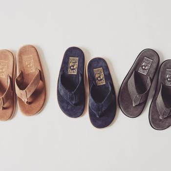 バッグ、靴、ベルトの3アイテムくらいは、同系色のもので揃えて、普段からセット化しておきましょう。その日着るお洋服に合わせて、忙しい朝にもさっと選べて心にも余裕が生まれます。