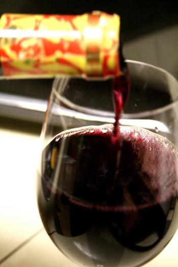 ボジョレーヌーボー解禁日は、毎年11月第3週の木曜日と決められています。待ち遠しいですね。ボジョレーヌーボーは、熟成されると味が落ちてしまうので早めに飲み切りましょう。