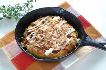 たくさん食べられないけれど、濃い味のものがどうしても食べたい!という朝におすすめのオムレツです。キャベツたっぷり、ふんわりヘルシー!