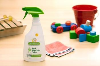 余分なものを含まず、シンプルにこだわって作られている、人や地球にとても優しい洗剤です。原料はナチュラルなものを厳選しているので、好奇心旺盛の赤ちゃんが触るものにも安心して使えます。