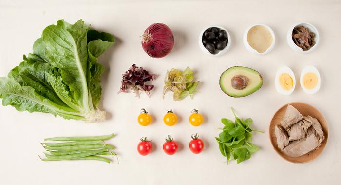 日本各地から直送されるお野菜達。旬の上質なものを使っているので体が喜ぶお食事ができるカフェです。