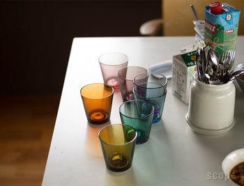 iittalaのアイコン的存在であるカルティオタンブラーは、唯一無二のシンプルデザインが魅力。発売から約60年が経った今でも、その美しさやスタイリッシュさが色褪せることがありません。