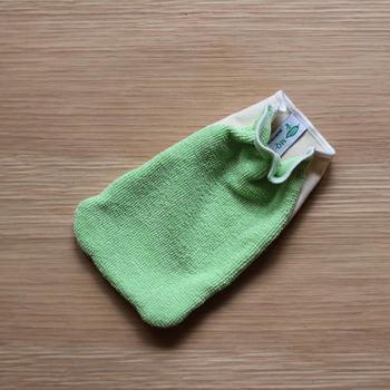 スウェーデンの業務用として生まれたDuotexは、水だけで汚れをきれいに拭きとってくれるマイクロファイバーのクロス。エコで身体にも地球にも優しい掃除道具です。