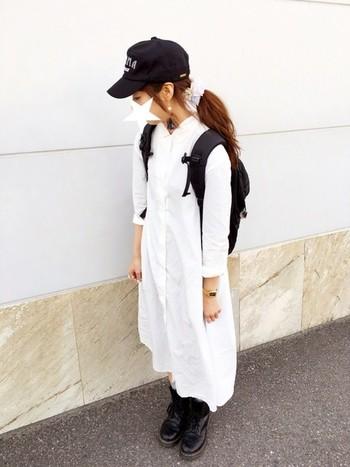 さわやかな白のシャツワンピースは春のコーデにピッタリ。黒と白でまとめたモノトーンコーデも白の分量を多くしてあげると重くならずに、春らしく爽やかな着こなしになります。