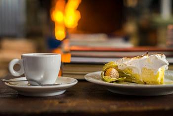 いかがでしたか? ポイントをつかめれば意外と簡単に作れるレモンパイ♪ コーヒーや紅茶、ハーブティーをお供に、甘酸っぱい優しい甘さに癒されてみませんか…