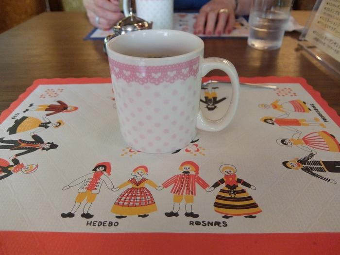 さらにコーヒー・紅茶付き♪ 可愛らしい北欧スタイルのランチョンマットも素敵です。
