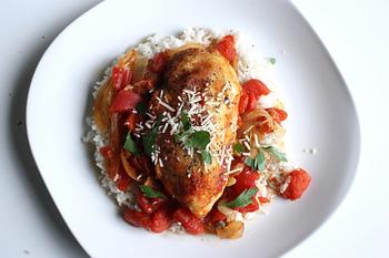 チキン・カチャトーレも、内部の圧力を高め高温(120度程度)で調理ができる圧力鍋なら、放ったらかしにしておいても、絶品料理が完成します。