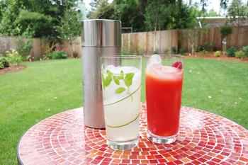 お酒な苦手な人はノンアルコール・カクテルを。 炭酸水やジンジャーエールを代わりに使います。