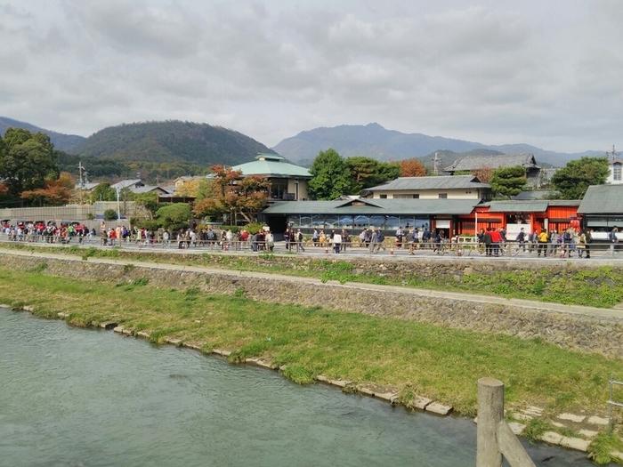 以下では、桂川東岸の飲食店の数々を上流から下流に向かって順に紹介します。