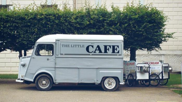 カフェが作る街並みや風景を楽しみながらの散策。久しぶりに会う友人との待ち合わせの場所。文化交流や学び、コミュニケーションの場となり新たな発見と創造があります。ライフスタイルへの提案とヒントをあたえてくれる場所として、カフェを日常的に利用しながら自分のフィールドを広げていきましょう!楽しい「コンセプトカフェ」で、いつもと違う特別な時間、いつもと違う自分に出会ってみませんか?