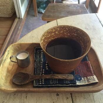 AKATUKIブレンド・・・岡山で自家焙煎の草分け的存在である武蔵野珈琲とAKATUKIが共同開発したブレンドコーヒーは深煎り。マグカップでたっぷりいただけます。ゆったりデイトリップが楽しめますね!