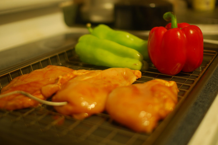 「忙しい日だからこそ、しっかりと食べたい…」。そんな日に活躍する、メイン料理の漬け料理レシピをご紹介! あらかじめ調味液などに漬けて下ごしらえをしておけば、当日は火を通すだけで美味しくいただけます。